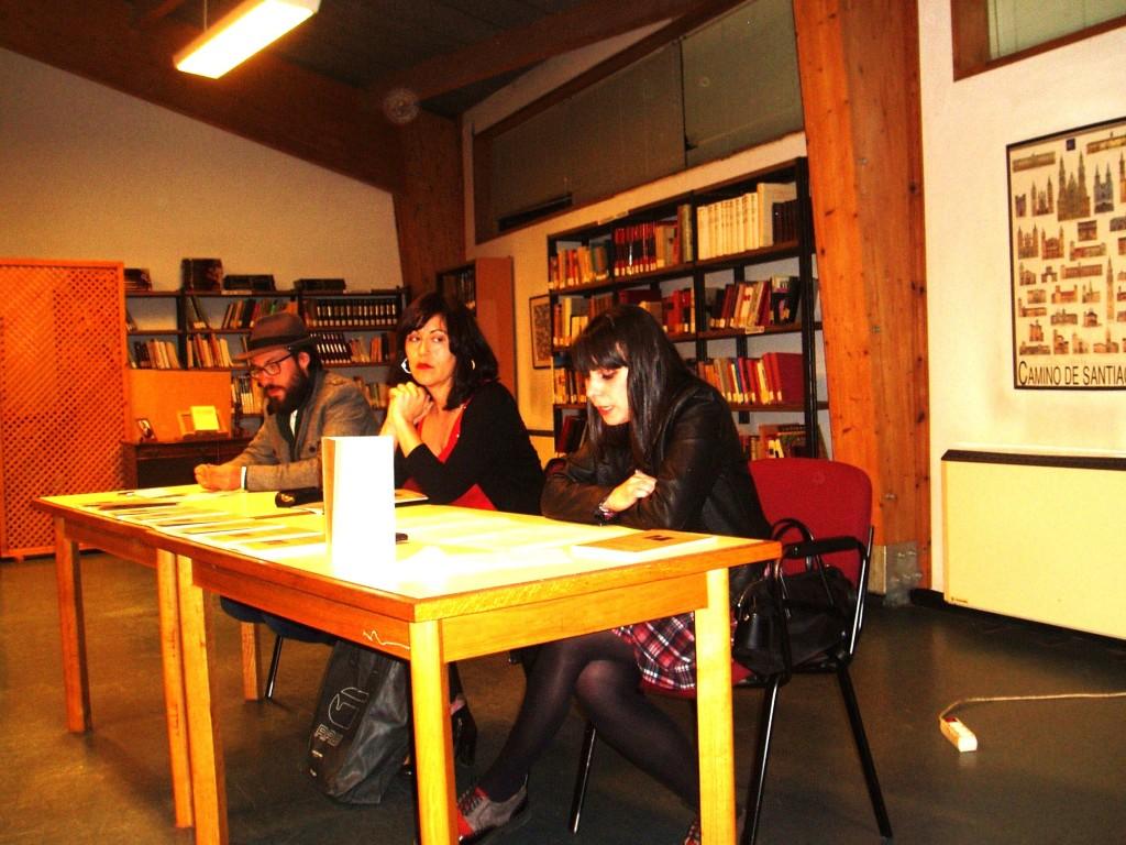 Rosa Enríquez (en el centro), Víctor Nieves y Noelia Rionegro