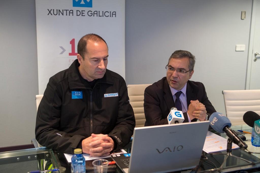 El director general de Emergencias e Interior, Luis Menor, acompañado del gerente de la Agencia Gallega de Emergencias (AXEGA), Juan José Muñoz, en la rueda de prensa  Autor: Xoán Crespo