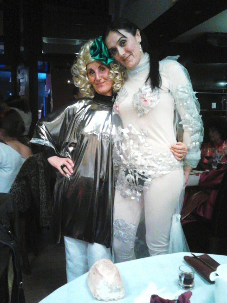 Dos participantes