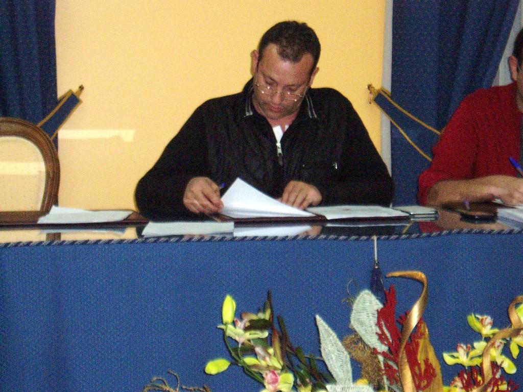 Enrique Álvarez Barreiro durante el pleno de Vilamartín