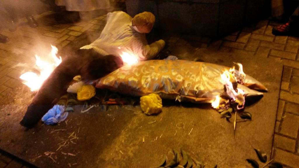 La sardina empieza a arder junto con los mecos
