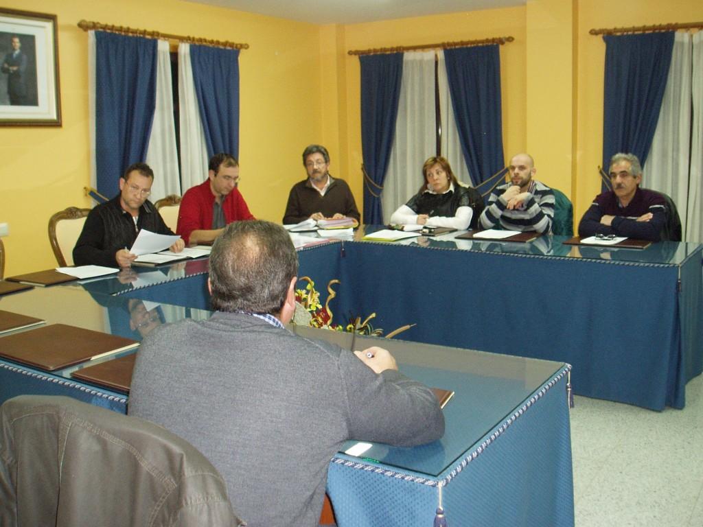 Los asistentes al pleno de Vilamartín