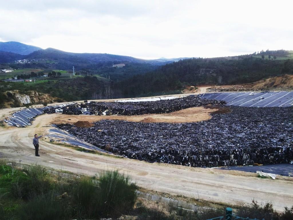 Los residuos de Autoneum en el depósito de vertidos no peligrosos de A Rúa