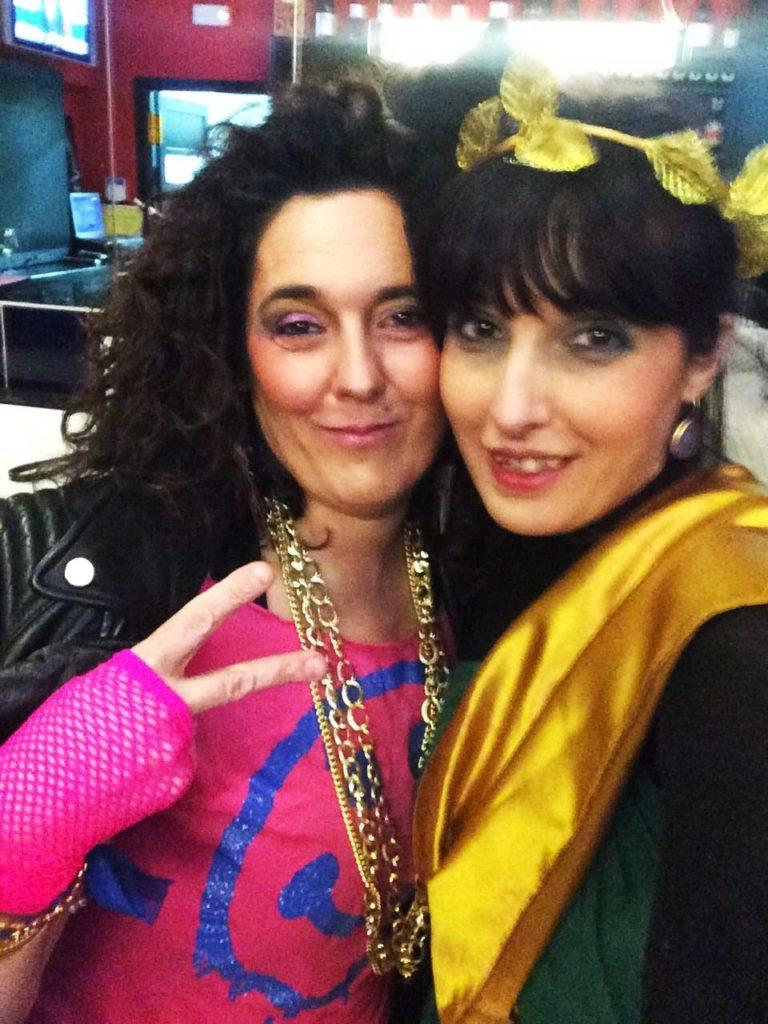 María Albert y una amiga
