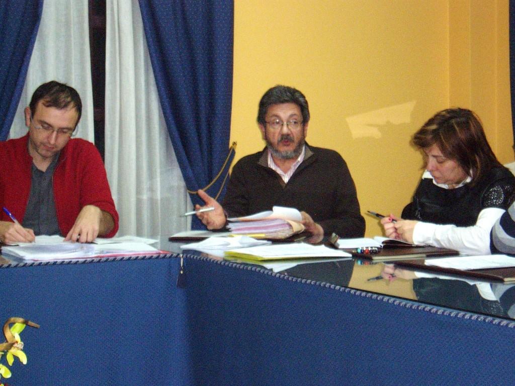 Pablo Deramond durante la presentación de la moción de urgencia sobre las facturas polémicas
