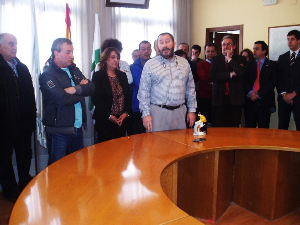 rabajadores del Concello en el momento homenaje a Ferreira
