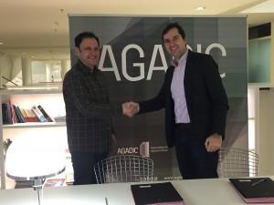 O director da Agadic, Jacobo Sutil, e o presidente da Feciga, Manuel Precedo, asinaron hoxe este acordo