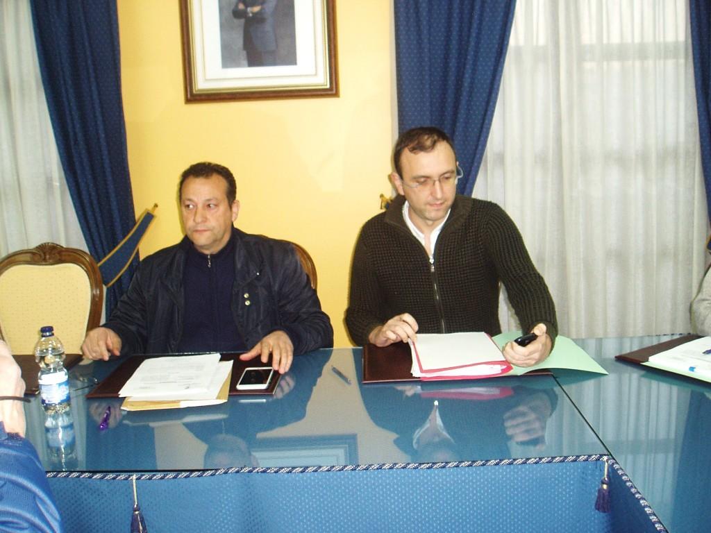 El alcalde, Enrique Álvarez Barreiro, y el secretario