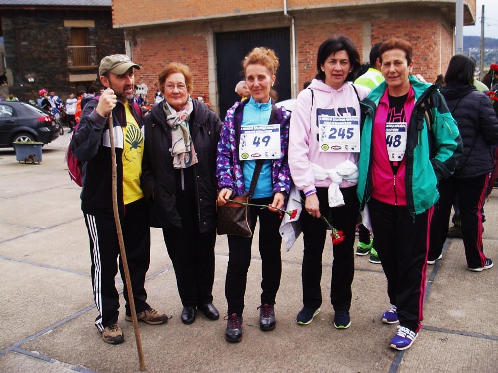 Tino, Elena, Victoria, Maruja y Elena