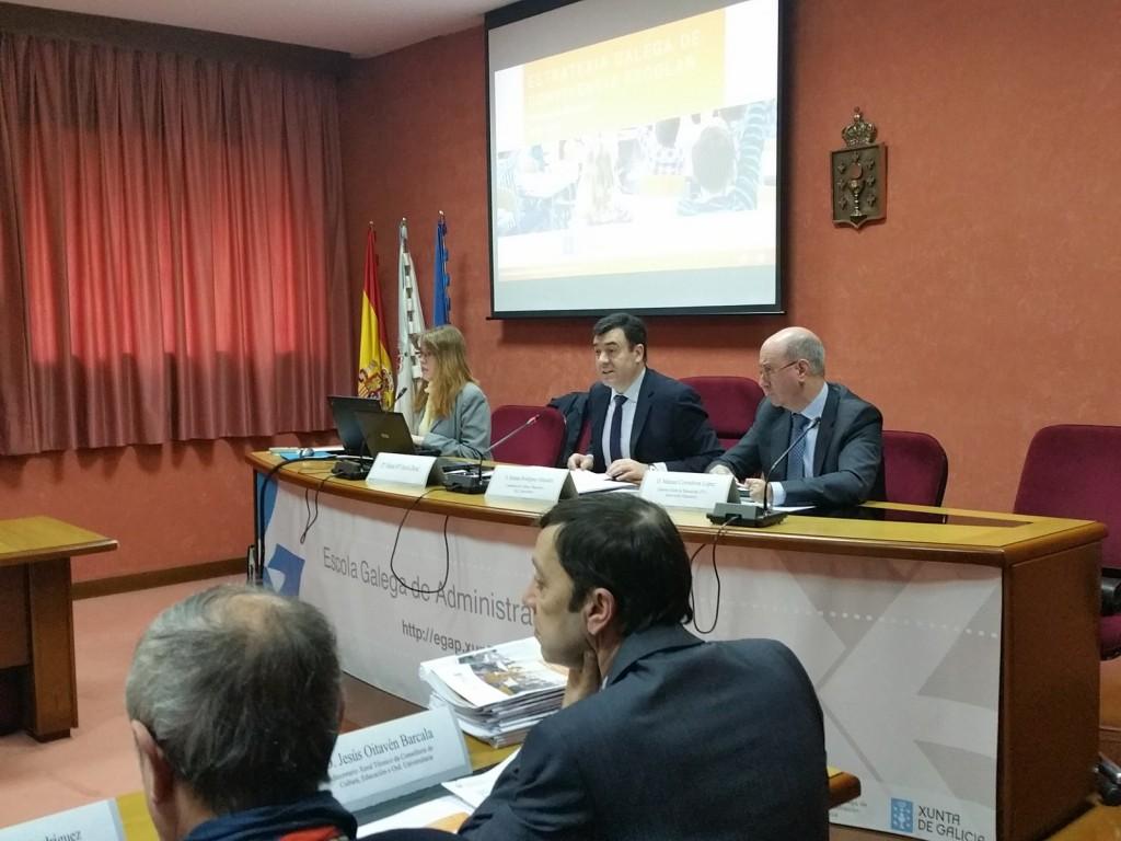 El conselleiro de Cultura y Educación presidió la reunión del Consejo Gallego de la Convivencia celebrada la pasada semana en Santiago El conselleiro de Cultura y Educación presidió la reunión del Consejo Gallego de la Convivencia celebrada la pasada semana en Santiago