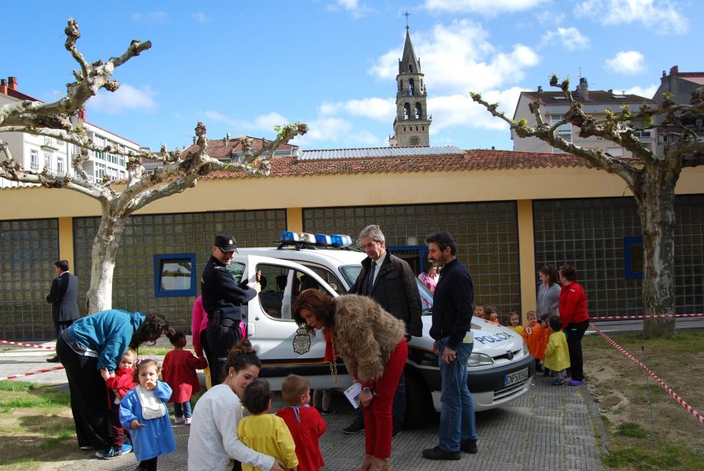 070416 policía na EI Antela