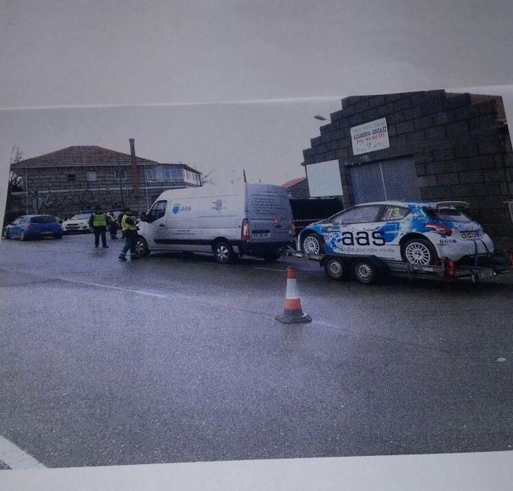Control de Tráfico en  las vías que llevan hacia el Rallye de Montalegre