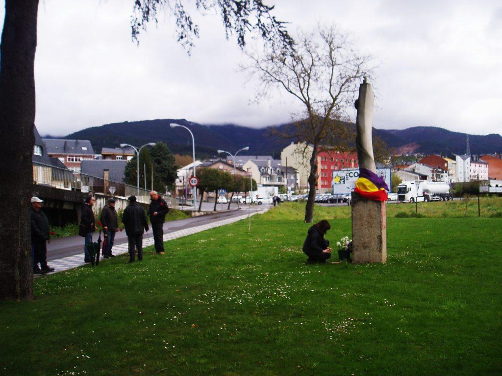 Homenaje a las víctimas del franquismo en O Barco