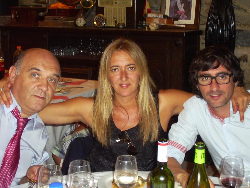 Susi con su marido y un hermano