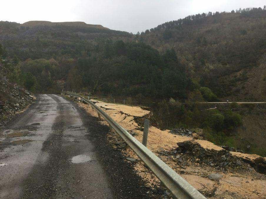 Carretera de San Vicente (Vilamartín de Valdeorras)
