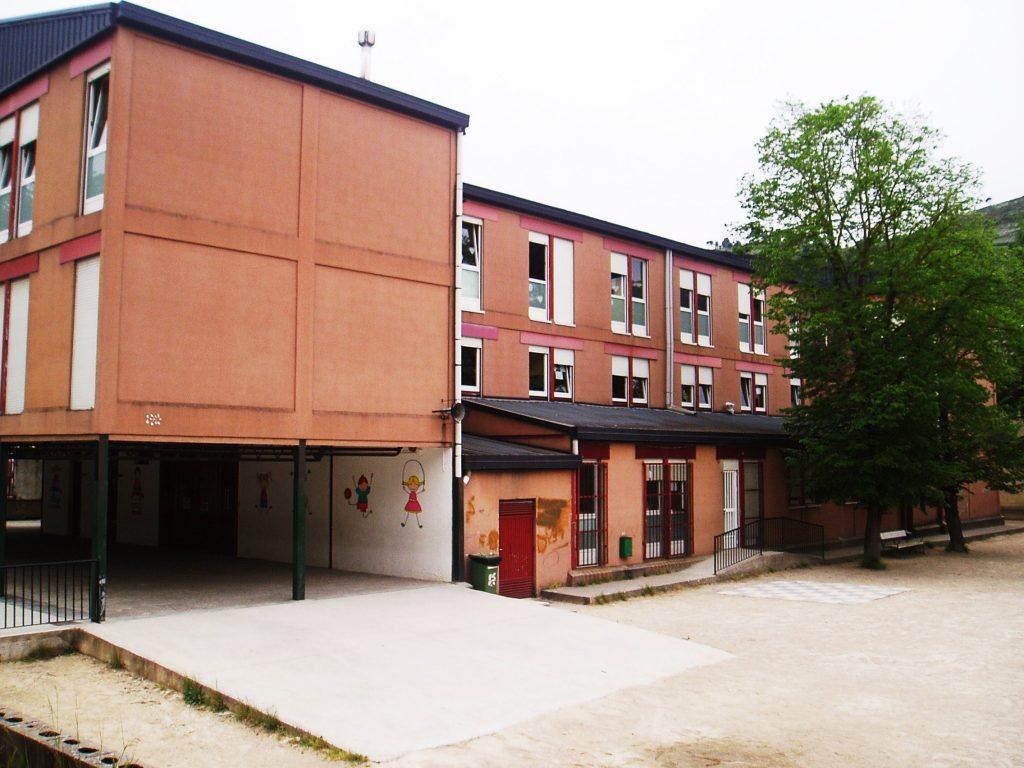 El colegio Julio Gurriarán de O Barco no dispone de pabellón