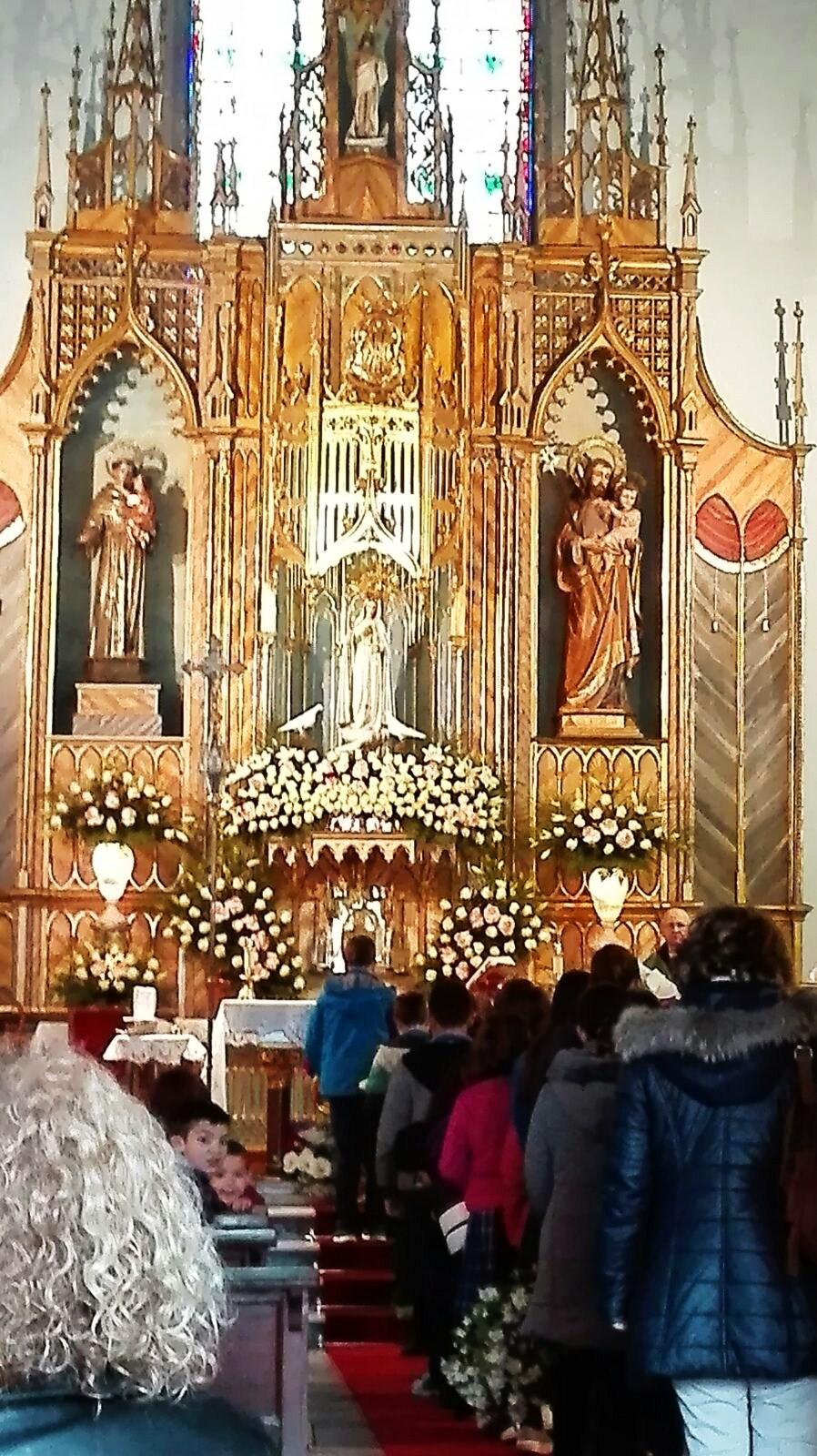 En el interior de la Iglesia