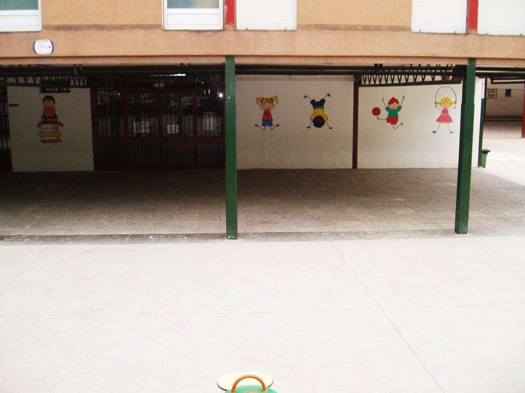 Entrada al Colegio Julio Gurriara´n