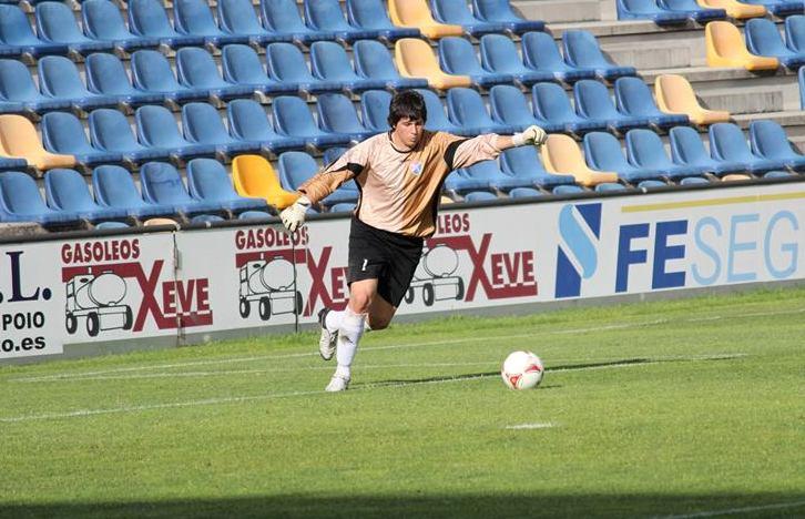 Iván en su primera temporada con el primer equipo del Barco siendo aún cadete