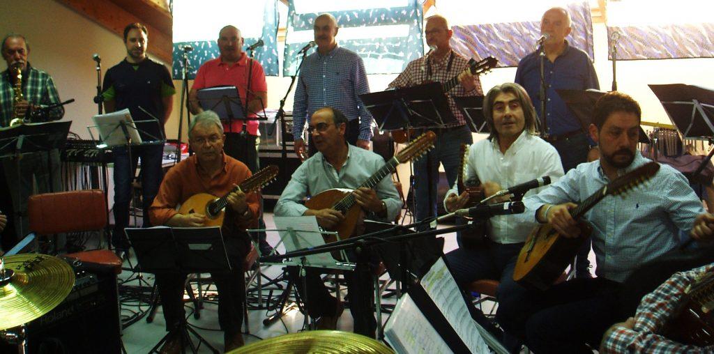 Músicos de Son do Sil durante la presentación