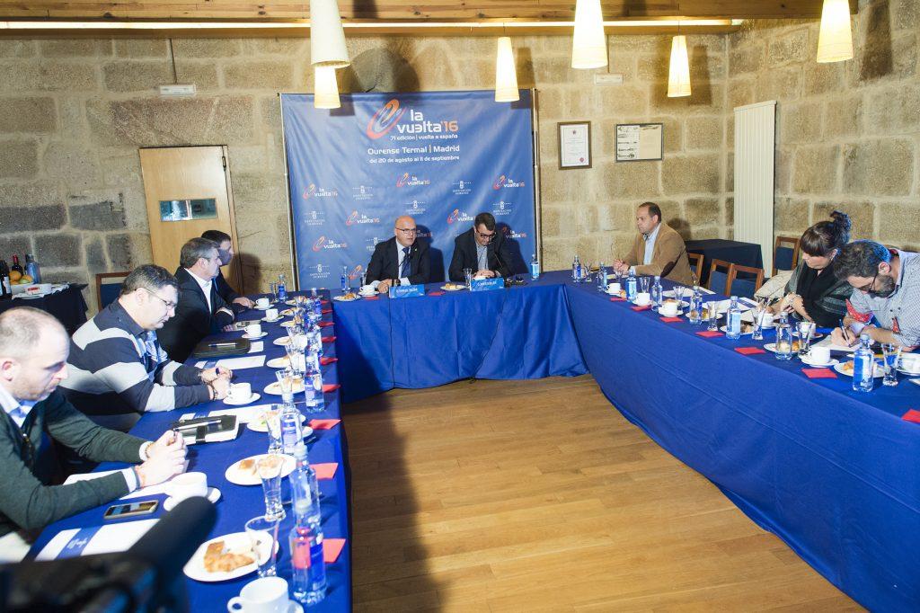Manuel Baltar e Javier Guillén na presentación dos datos económicos da Vuelta