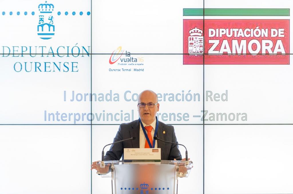 Manuel Baltar, onte, na inauguración da xornada de cooperación interprovincial.