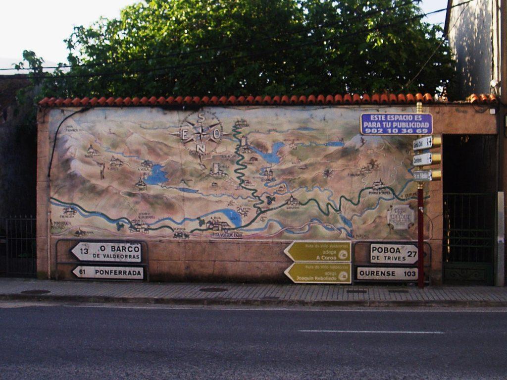 Mapa-mural en la travesía de A Rúa
