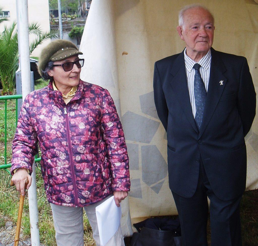Ramón García con la presidenta de la Asociación Amigos do Camiño por Valdeorras
