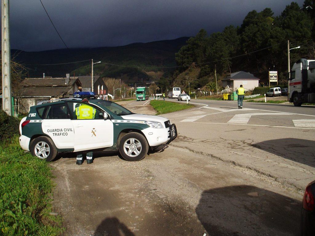 Un control de Tráfico en Valdeorras
