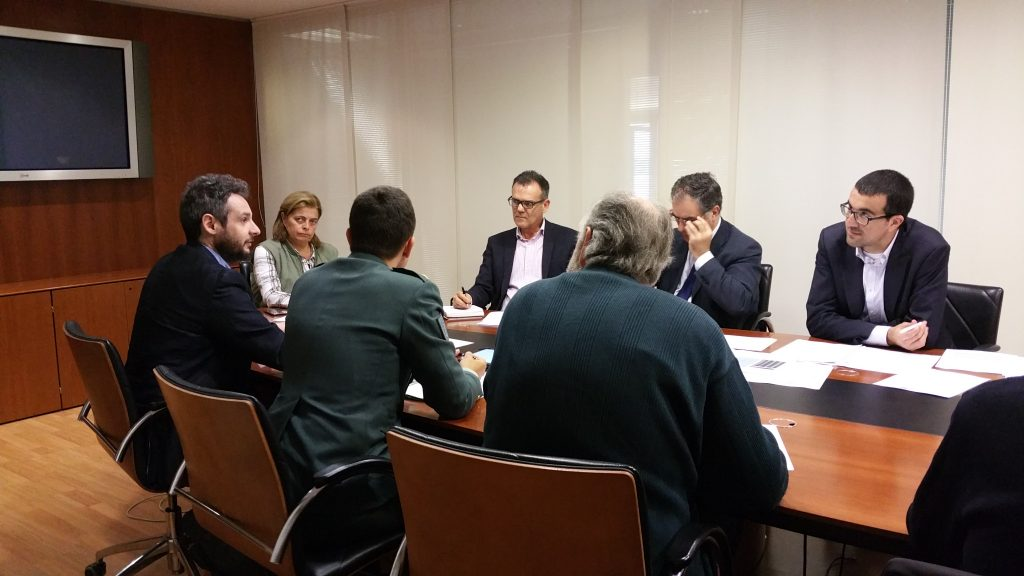 La directora general de Conservación de la Naturaleza, Ana María Díaz, presidió la reunión, en la que tomaron parte representantes de distintas administraciones, así como de la Federación gallega de caza