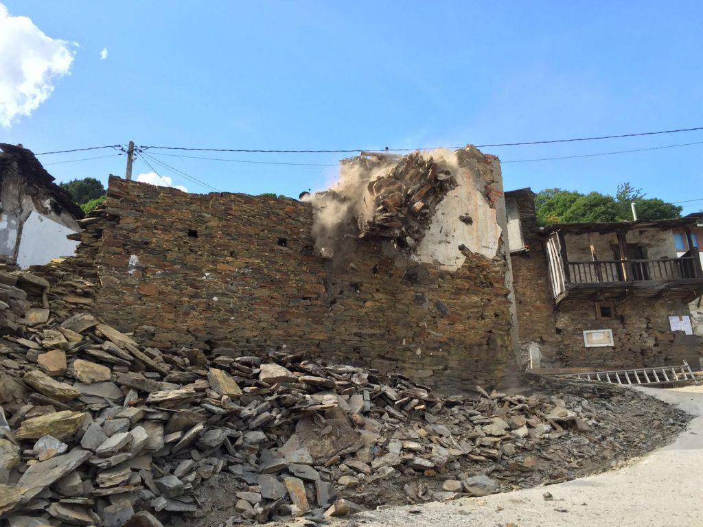 Casa demolida en la Plaza de Cernego