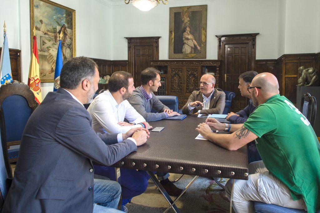 Manuel Baltar cos directivos do COB