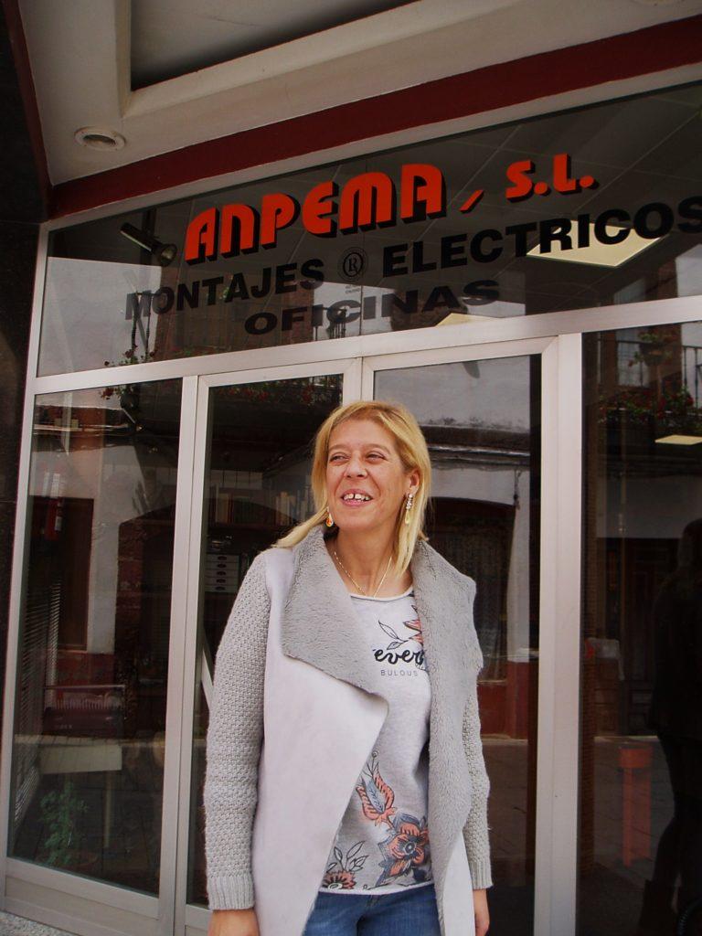 Pilar Pérez Bustillo a la entrada de Anpema