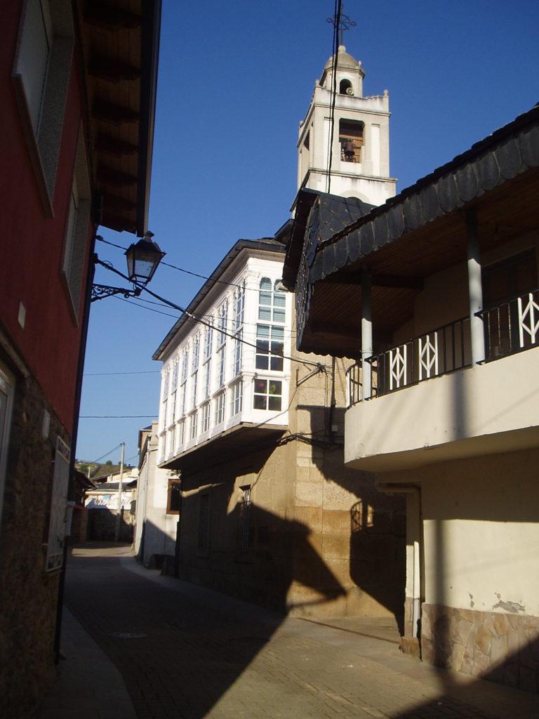 Una de las calles de Petín donde habrá expositores