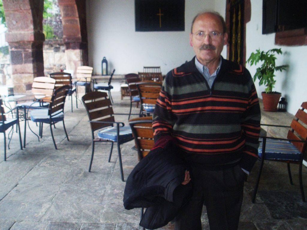José Rúa Pérez, en el Pazo de O Castro en una reciente visita a O Barco