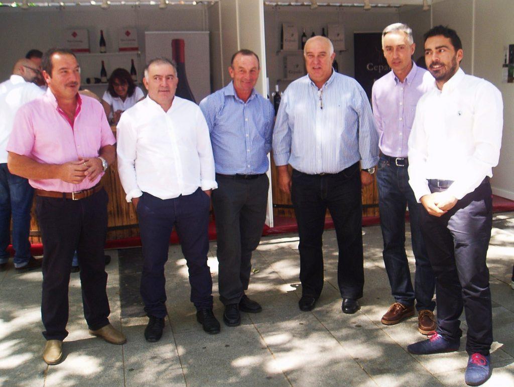 Los alcaldes de A Veiga y Rubiá, Juan Anta y Elías, el edil de A Rúa Avelino García y el edil de Vilamartín Pinto, entre otros
