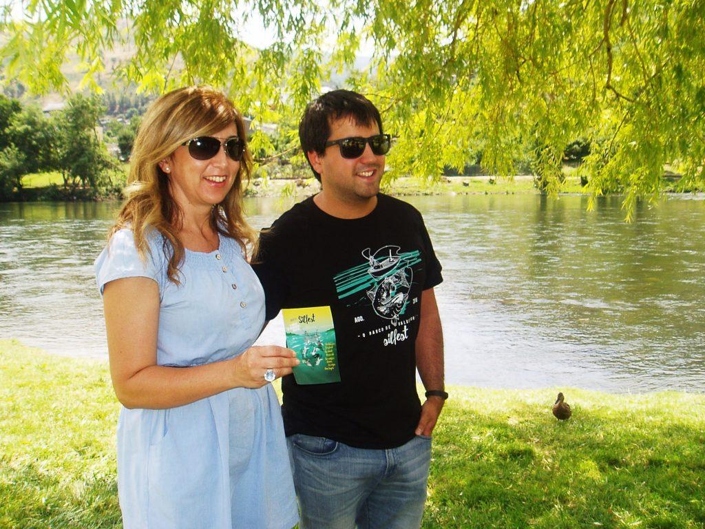 Margarita Pizcueta y Jorge Álvarez en la playa fluvial de O Barco presentando el Silfest