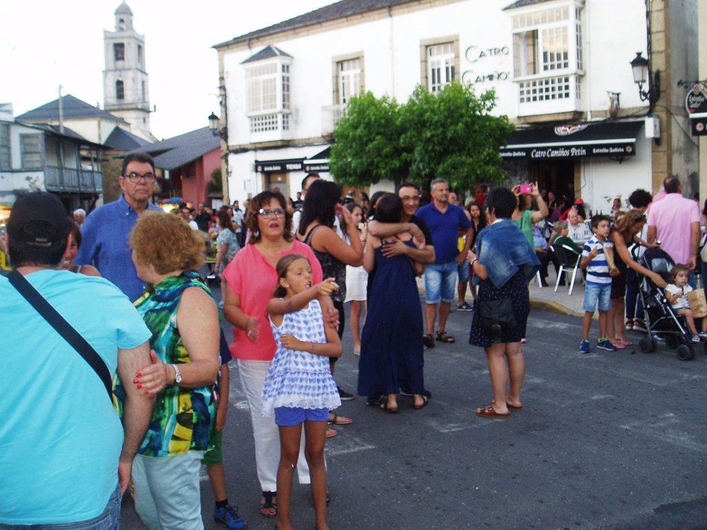 Público en la fiesta de Petín