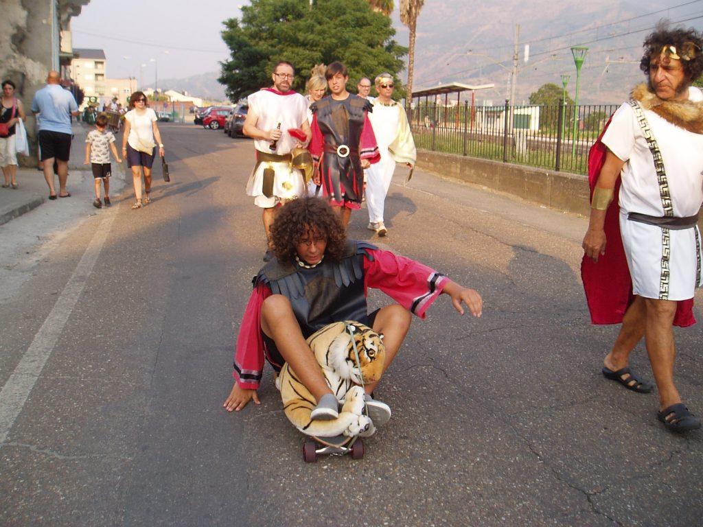 Desfile por las calles de A Rúa hasta O Aguillón