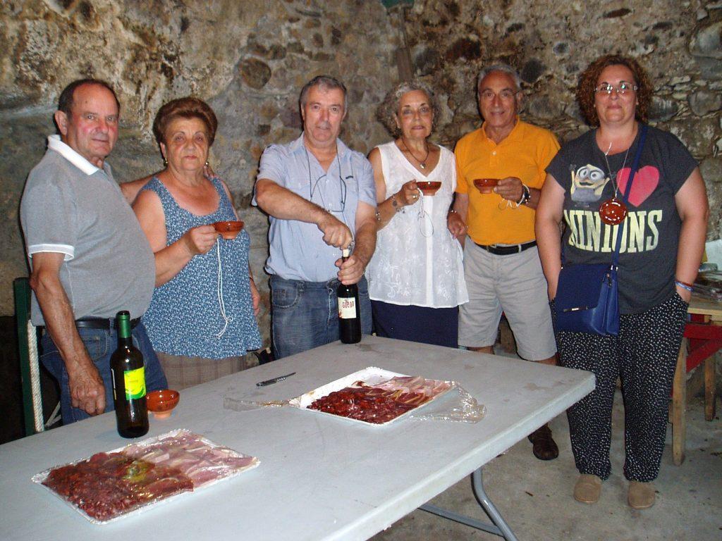 Disfrutando del buen vino de una bodega