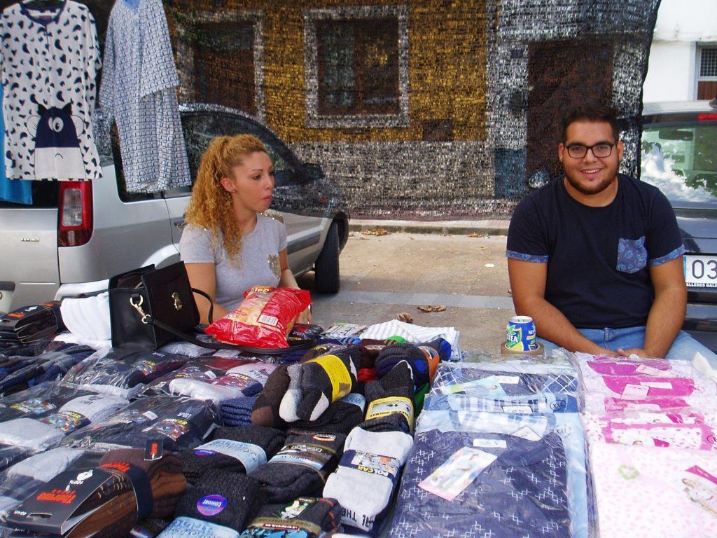 Dos vendedores ambulantes en Vilamartín