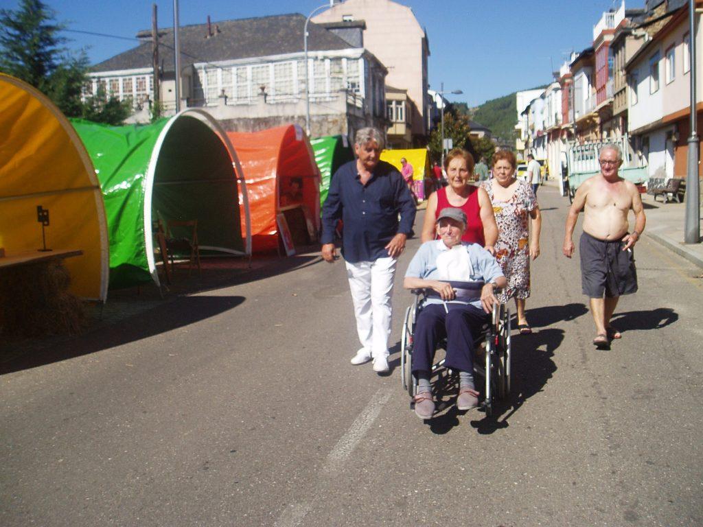 La persona más anciana de Vilamartín, en la feria