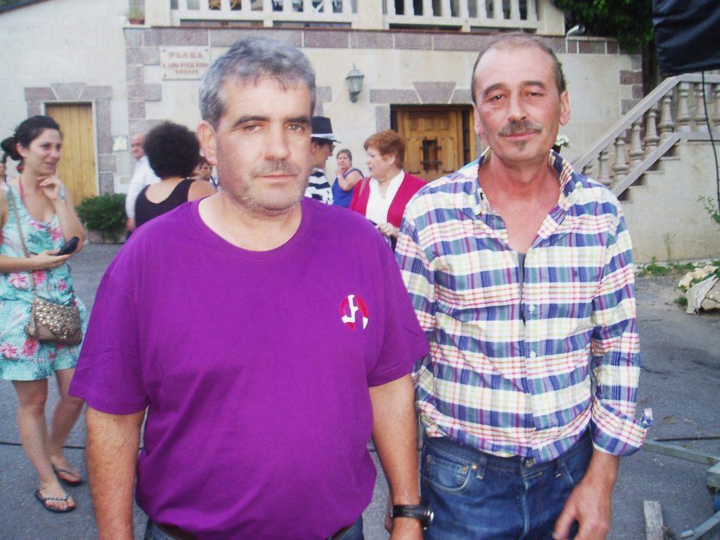 Tito y el presidente de la Asociación de Coveiros, Manuel Ferrer