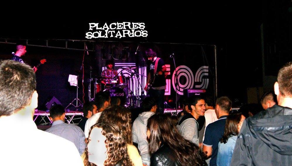 Una actuación de Placeres Solitarios en Córgomo (Vilamartín)