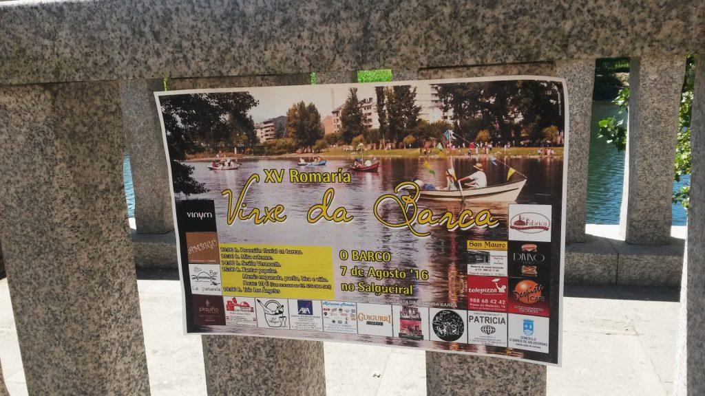 Cartel pegado junto al entorno del río Sil en O Barco