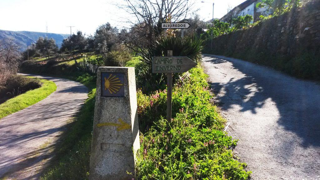 Camiño de Inverno al paso por Os Alvaredos