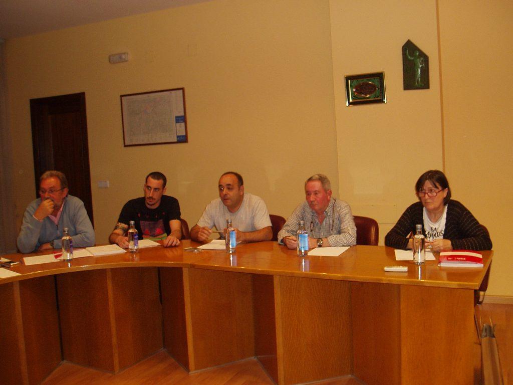Ediles del BNG y PSOE, durante el pleno