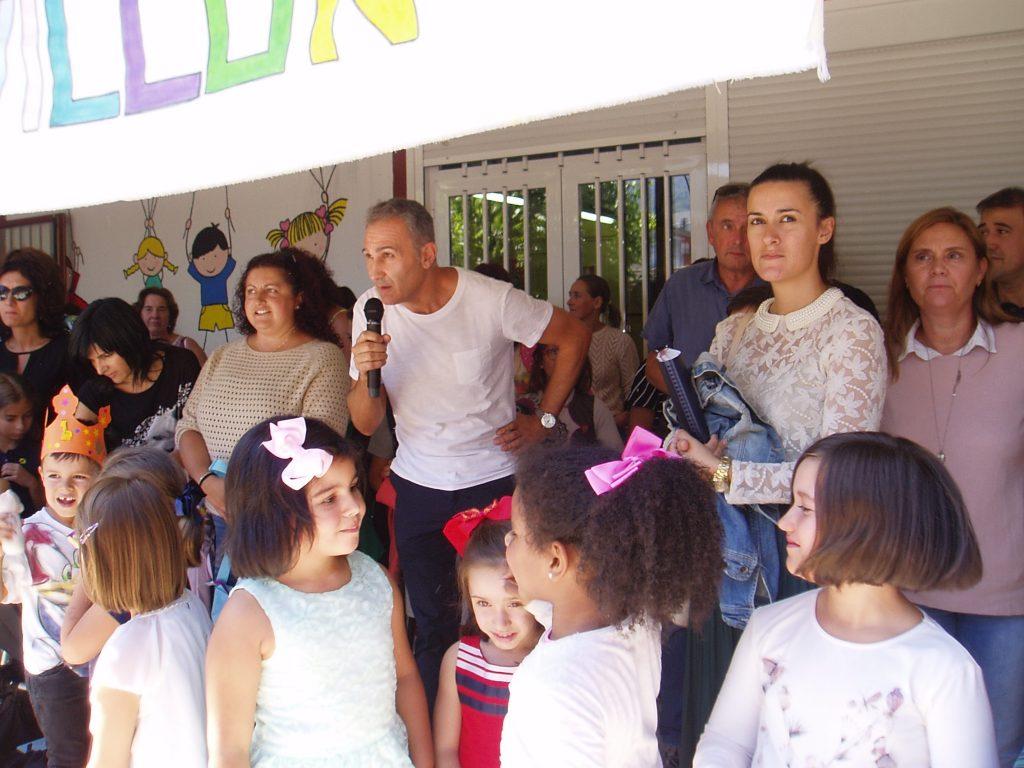 Juan Carlos Domínguez durante su intervención en nombre de la comunidad escolar del Colegio Julio Gurriarán