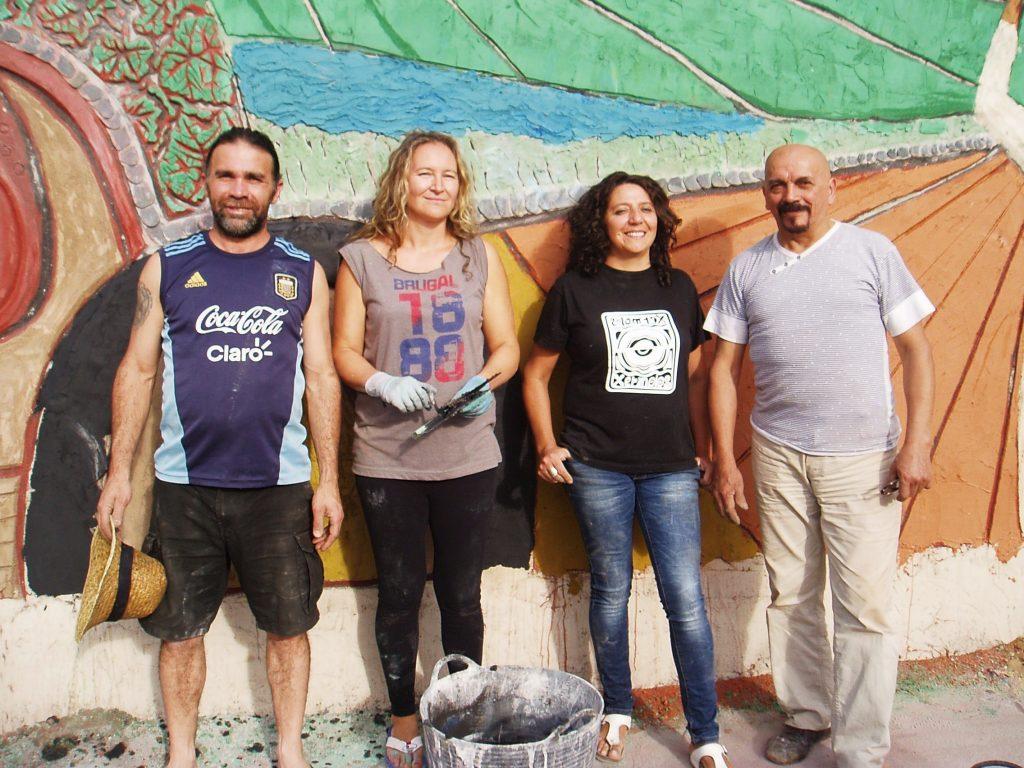 Leonardo Corazza (ceramista), Carina Rodríguez (alumna), Laura Dubén (sala Laurarte) y el maestro Carlos Moreyra