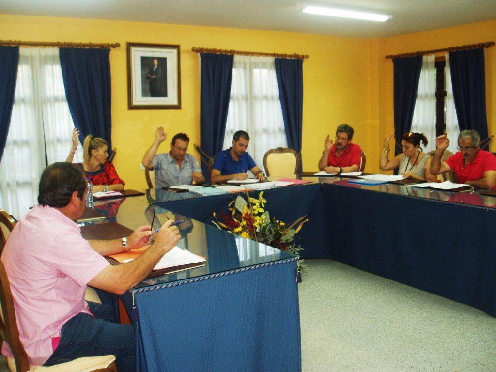 Votación en el pleno de Vilamartín